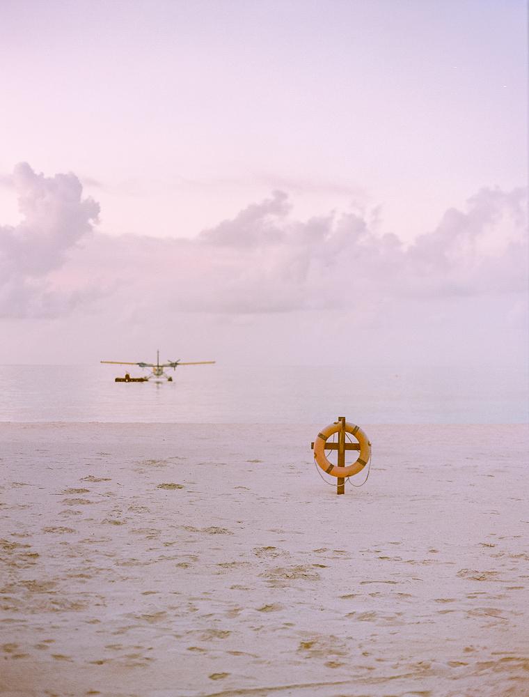 avioneta-playa-maldivas